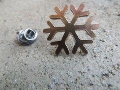 broche bronce/Copo de nieve pin/Frozen/Calado a mano de cuellosbowties en Etsy