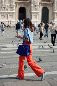 The Locals - Milan Fashion Week Milan Fashion Week Street Style, Street Style Summer, Street Style Women, Next Ladies Fashion, Everyday Fashion, Yves Klein Blue, Colourful Outfits, Colorful, Casual Chic Style