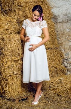 Individuelle Traumkleider von Michèle Weiten http://www.hochzeitswahn.de/inspirationsideen/individuelle-traumkleider-von-michele-weiten/ #weddingdress #fashion #bride