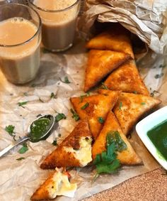 I don't know about you, but I am certainly missing all those samosas from Ramadan. We cut ties with them on Eid and I think it's about time we bring them back to our tables. Today, I am… Chicken Samosa Recipes, Easy Samosa Recipes, Tofu Recipes, Indian Food Recipes, Snack Recipes, Snacks, Delicious Recipes, Dinner Recipes, Meat Samosa