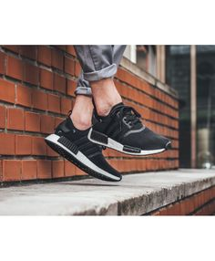 4cd7843f090c43 Chaussure Adidas NMD R1 Homme Primeknit Noir Core Adidas men's shoes, there  is a very