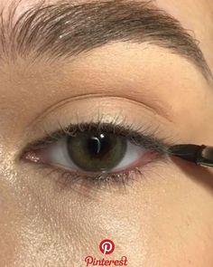 eyeliner styles for big eyes . eyeliner styles for hooded eyes . eyeliner styles simple step by step . eyeliner styles different Makeup Eye Looks, Eye Makeup Tips, Cute Makeup, Eyeshadow Looks, Eyebrow Makeup, Skin Makeup, Makeup Eyeshadow, Makeup Ideas, Awesome Makeup