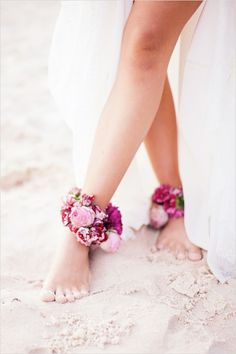 Easy beach wedding ideas and floral ankle wraps! #weddingchicks Captured By: Brooke Adams Photography http://www.weddingchicks.com/2014/07/04/free-seahorse-monogram/