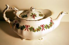 Rare 1979 Hammersley Holly Teapot