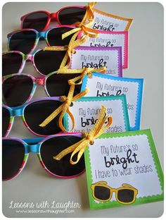 31 creative back to school treats for students {printables} - Sunglasses and bright future printable tags