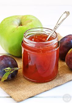 Plum & Apple Jam - the perfect autumn jam. This jam has a beautiful rose colour and delicate flavour, great for breakfast or teatime. Plum Jam Recipes Uk, Jelly Recipes, Fruit Recipes, Sweet Recipes, Plum Apple Recipes, Healthy Recipes, Plum Jelly, Jam And Jelly, Bramley Apple Recipes