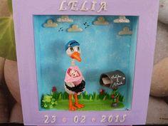 Cadre réalisé pour la naissance d'une petite fille. Le prénom, date de naissance et nuages sont en WePAM phosphorescente.