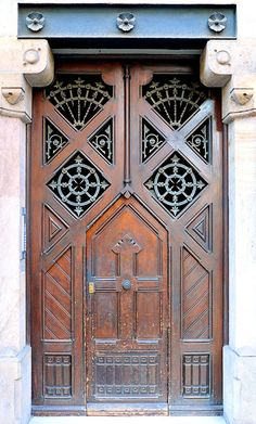 https://flic.kr/p/4qdRzU | Barcelona - Mallorca 255 d | Cases Àngel Batlló  1896  Architect: Josep Vilaseca i Casanovas