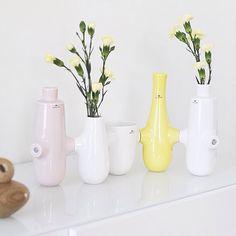 Fiducia vases from Kähler, picture from @fru_lykke  http://royaldesign.com/eu/viewitem.aspx?ID=81232  #vases #vase #kähler #kählerdesign #decor #homedecor #design #inspiration #interiordesign #inredning #heminredning #dekorationer #flowers #blommor #love #kärlek #kahler