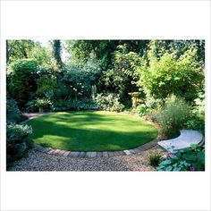 A circular lawn: could we do this and overlap with a circular bark area (edged i. A circular lawn: Circular Garden Design, Circular Lawn, Small Garden Design, Patio Design, Back Gardens, Small Gardens, Outdoor Gardens, Modern Gardens, Formal Gardens