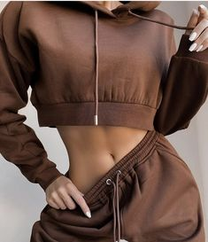 Winter Fashion Outfits, Suit Fashion, Look Fashion, New Fashion, Luxury Fashion, Athletic Outfits, Sport Outfits, Crop Top Hoodie, Cropped Hoodie