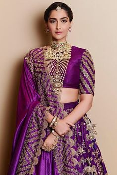 Sonam kapoor looks surreal in Jayanti Reddyroyal purple lehenga! How gorgeous is she ? Sonam Kapoor being Jayanti Reddy perfect muse last night! Indian Designer Outfits, Designer Dresses, Designer Lehanga, Bridal Outfits, Bridal Dresses, Indian Dresses, Indian Outfits, Party Kleidung, Bridal Lehenga