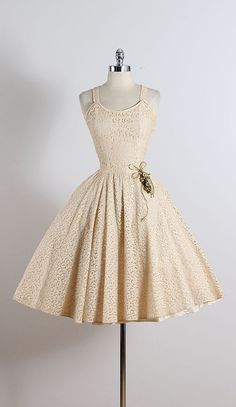 ➳ vintage 1950s dress * taupe floral lace * acetate lining * floral bodice accent * metal side zipper condition   excellent fits like medium