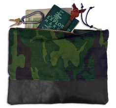 Vintage camo & leather pouch by Den & Delve.