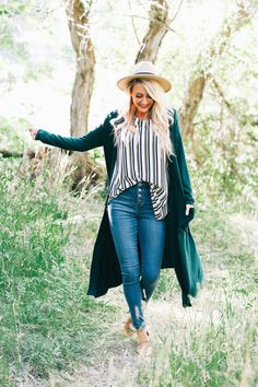 Duster Pocket Cardigan Basic Style, My Style, Jean Outfits, Work Outfits, Cute Casual Outfits, Plus Size Outfits, Love Fashion, Bell Bottom Jeans, Style Inspiration