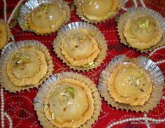 Chandrakala, a traditional North Indian sweet fot Holi festival. Learn with detailed recipe and step by step photo to make this sweet...Read this recipe in Hindi-http://www.chezshuchi.com/Chandrakalah.html