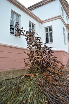 Prachtig werk door Karin van der Molen Land Art, Basket, Artists, Plants, Art, Artist, Baskets, Flora, Plant