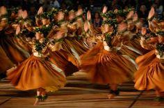 merrie monarch - next weekend Hawaiian Crafts, Hawaiian Art, All About Hawaii, Hawaii Hula, Polynesian Culture, Polynesian Dance, Hawaiian Dancers, Hula Dancers, Hawaiian Islands