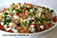 Würziger Rindfleischsalat Recipe Spicy beef salad on mom's recipes homepage Spicy Recipes, Salad Recipes, Healthy Recipes, Beef Salad, Recipe For Mom, Convenience Food, Eating Habits, Food Videos, Holiday Recipes