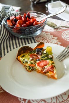 This simple, healthy sweet potato crust quiche can be made using any vegetables and ingredients you have in your fridge! Perfect for Easter brunch or ent...