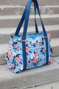 Bag Pattern Free, Bag Patterns To Sew, Pdf Sewing Patterns, Patchwork Patterns, Tote Pattern, Patchwork Designs, Quilted Purse Patterns, Free Sewing, Patchwork Bags