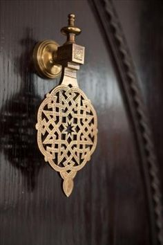 Vintage door handles knock knock 37 new Ideas Art Et Architecture, Islamic Architecture, Amazing Architecture, Moroccan Design, Moroccan Style, Moroccan Decor, Moroccan Bedroom, Moroccan Lanterns, Motif Oriental