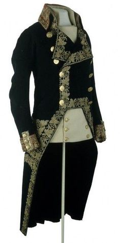 Uniform of General of Division worn by Napoleon at the Battle of Marengo, 1800 my next halloween costume 1800s Fashion, Victorian Fashion, Vintage Fashion, Vintage Men, Historical Costume, Historical Clothing, La Mode Masculine, Period Outfit, Looks Vintage