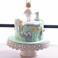 :) Baby Girl Birthday Cake, Baby Birthday Cakes, Fondant Cakes Kids, Cupcake Cakes, Beautiful Cakes, Amazing Cakes, Cap Cake, Just Cakes, Girl Cakes