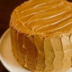 """""""The Help""""-southern caramel cake. Haven't seen/read """"The Help"""", but this cake looks amazing. Perhaps with some sea salt sprinkled on top? Köstliche Desserts, Delicious Desserts, Yummy Food, Sweet Recipes, Cake Recipes, Dessert Recipes, Cupcakes, Cupcake Cakes, Pavlova"""