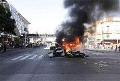 Policías y ambulantes chocan durante el operativo en Jalisco   - http://notimundo.com.mx/mexico/policias-y-ambulantes-chocan-durante-el-operativo-en-jalisco/21527
