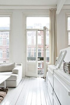 London apartments, London Apartment Guide with pictures making it easy to see your apartment rental in London online. http://london.houseme.ca/