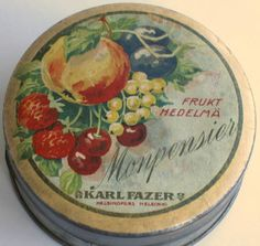 Tins Vintage Tins, Vintage Kitchen, Retro Vintage, Vending Machines, Tin Containers, Vintage Packaging, Tin Cans, Old Toys, Confectionery