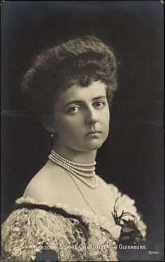 Herzogin Sophie Charlotte Von Oldenburg was the daughter of Friedrich Augustus, Hereditary Grand Duke of Oldenburg, and his first wife, Elizabeth Anna of Prussia. Oldenburg, German Royal Family, First French Empire, Charlotte, Vintage Photos Women, Frederic, Grand Duke, Herzog, Old Postcards