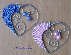 Wired Hearts For Pendant Necklace Great way to use beads Bijoux Wire Wrap, Bijoux Diy, Wire Wrapped Jewelry, Metal Jewelry, Beaded Jewelry, Handmade Jewelry, Charm Jewelry, Wire Crafts, Bead Crafts