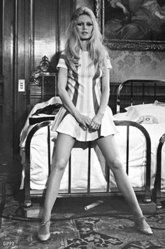 Bridgitte Bardot, Rome 1969... hair. stripes. legs.