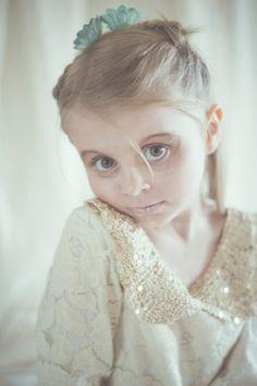 Eos - Ca pique! Eos, Girls, Inspiration, Gold Lace, Pique, Little Girls, Biblical Inspiration, Daughters, Inspirational