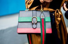The best designers bags of 2017 have finally arrived and there's much to choose from: Minimalism from Mulberry through to crazy details from Gucci…