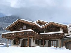 Beautiful Chalet Bella Coola in Verbier, one of only 20 chalets  to feature in The Luxury Chalet Collection 2011/12 from The Oxford Ski Company. Average rental rate £22000 - £60000