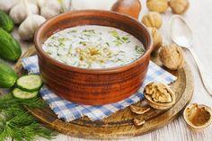 At dinner aphrodisiacs: greens, mushrooms and nuts! Gazpacho, Veggie Recipes, Soup Recipes, Veggie Food, Bulgarian Yogurt, Fresca, Cheeseburger Chowder, Hummus, Vegetarian Meals