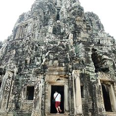 Take a step inside and explore. Bayon's top level is a real maze. Makes you feel thoroughly adventurous.