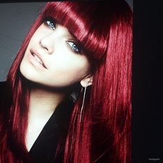 Barbara Palvin rocks bangs and a fiery red hair color for upcoming L'Oreal campaign Red Hair With Bangs, Red Bangs, Dyed Red Hair, Barbara Palvin, Feria Hair Color, Red Hair Color, Hair Colors, Colours, Red Hair Loreal