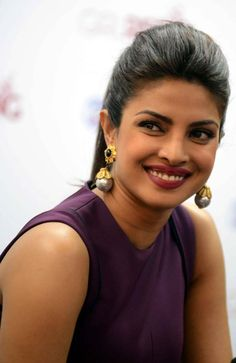 Priyanka Chopra and Freida Pinto were in Delhi for inaugurating the multi-level global campaign, Girl Rising. Bollywood Outfits, Bollywood Actress Hot Photos, Bollywood Actors, Bollywood Celebrities, Bollywood Fashion, Photos Of Priyanka Chopra, Actress Priyanka Chopra, Priyanka Chopra Hot, Indian Film Actress