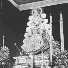 #virgendelrocio #souvenirs #elrocio #regalos #rocieros #pulseras #colgantes #llaveros #imanes #abanicos #almonte #huelva #españa Almonte, Crown, Magnets, Hand Fans, Key Fobs, Pendants, Presents, Corona, Crowns