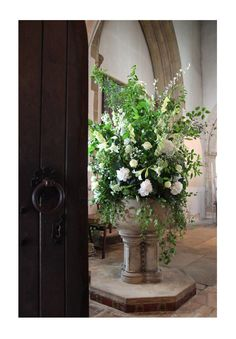 font-flowers-at-great-easton-church.jpg 695×1,000 pixels