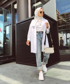 ✔ Fashion Summer Hijab Outfit Source by CarolineAverill outfits hijab Hijab Fashion Summer, Modest Fashion Hijab, Modern Hijab Fashion, Street Hijab Fashion, Hijab Fashion Inspiration, Muslim Fashion, Mode Inspiration, Modest Outfits Muslim, Hijab Fashion Casual