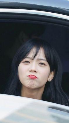 (Credits to the real owner/s) Blackpink Jisoo, Kpop Girl Groups, Korean Girl Groups, Kpop Girls, Kim Jennie, Square Two, Blackpink Memes, Black Pink Kpop, Blackpink Photos