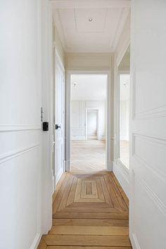 Home Interior Design .Home Interior Design Planchers En Chevrons, Types Of Flooring, Flooring Ideas, Unique Flooring, Floor Patterns, Wood Floor Pattern, Wood Floor Design, Herringbone Wood Floor, Herringbone Pattern