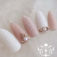 Nail art Christmas - the festive spirit on the nails. Over 70 creative ideas and tutorials - My Nails Almond Acrylic Nails, Best Acrylic Nails, Matte Nails, Rhinestone Nails, Bling Nails, My Nails, Bridal Nails Designs, Wedding Nails Design, Wedding Stiletto Nails