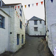 Cottages in Gorran Haven, Cornwall   (@cotswoldtales • INSTAGRAM)