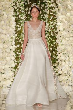Fall 2015 Wedding Dresses - Best Wedding Gowns At Bridal Fashion Week - Elle Love this feminine neckline of lace with a simple and elegant skirt. 2015 Wedding Dresses, Designer Wedding Dresses, Bridal Dresses, Wedding Gowns, Wedding Mandap, Wedding Receptions, Reem Acra Bridal, Bridal Fashion Week, Mod Wedding